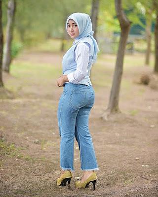 Pose Gak Kena pose aneh cewek hijab