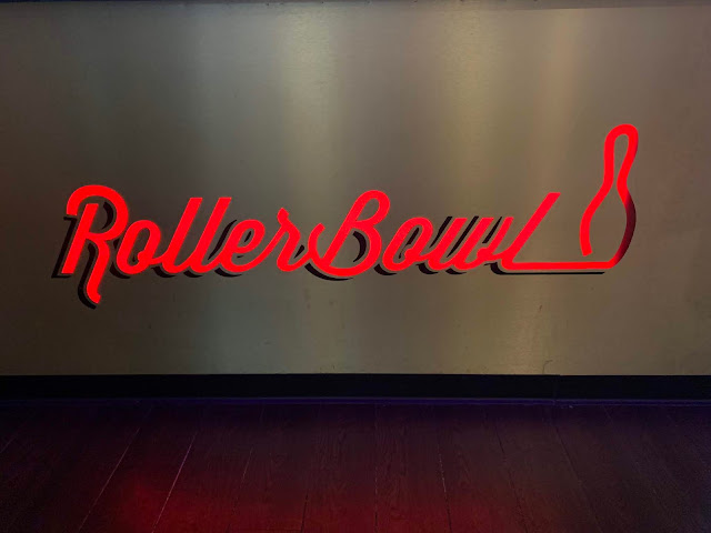 Rollerbowl lit up sign
