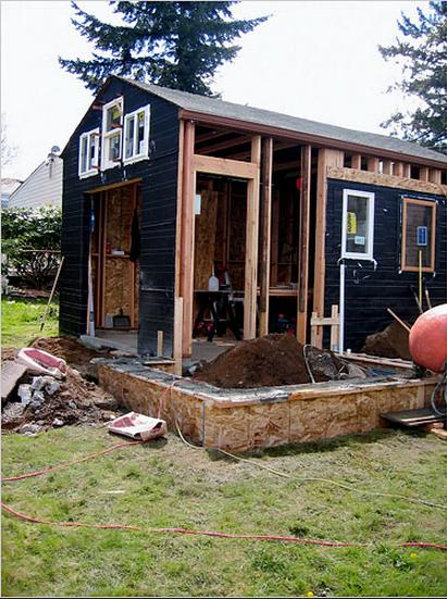 Come costruire casa con pochi soldi il garage abitato - Costruire casa in economia ...