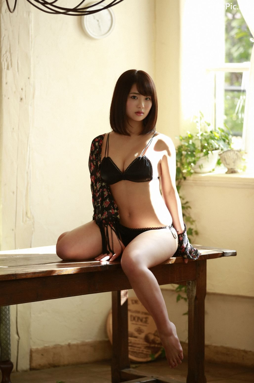 Image-Japanese-Actress-And-Model-Natsumi-Hirajima-Sexy-Lingerie-Queen-TruePic.net- Picture-1