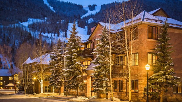 The Hotel Telluride is a boutique chalet with a European feel, situated in authentic Downtown Telluride, surrounded by the San Juan Mountains. Check out its rooms and suites, each with a breath-taking mountain view.