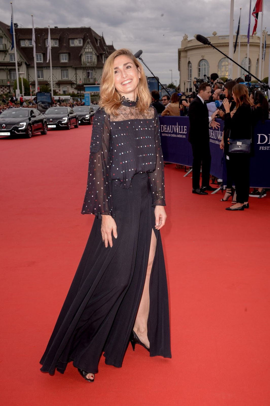 HQ Photos of 'We Are Family' actress Julie Gayet At The Infiltrator Premiere At 2016 Deauville American Film Festival