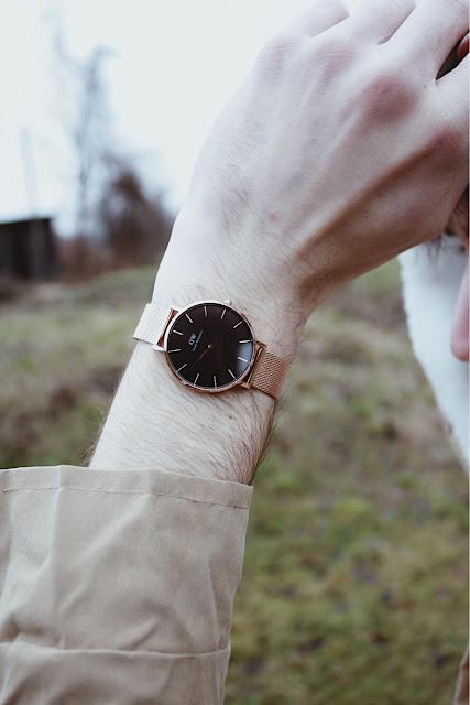 złoty zegarek dw