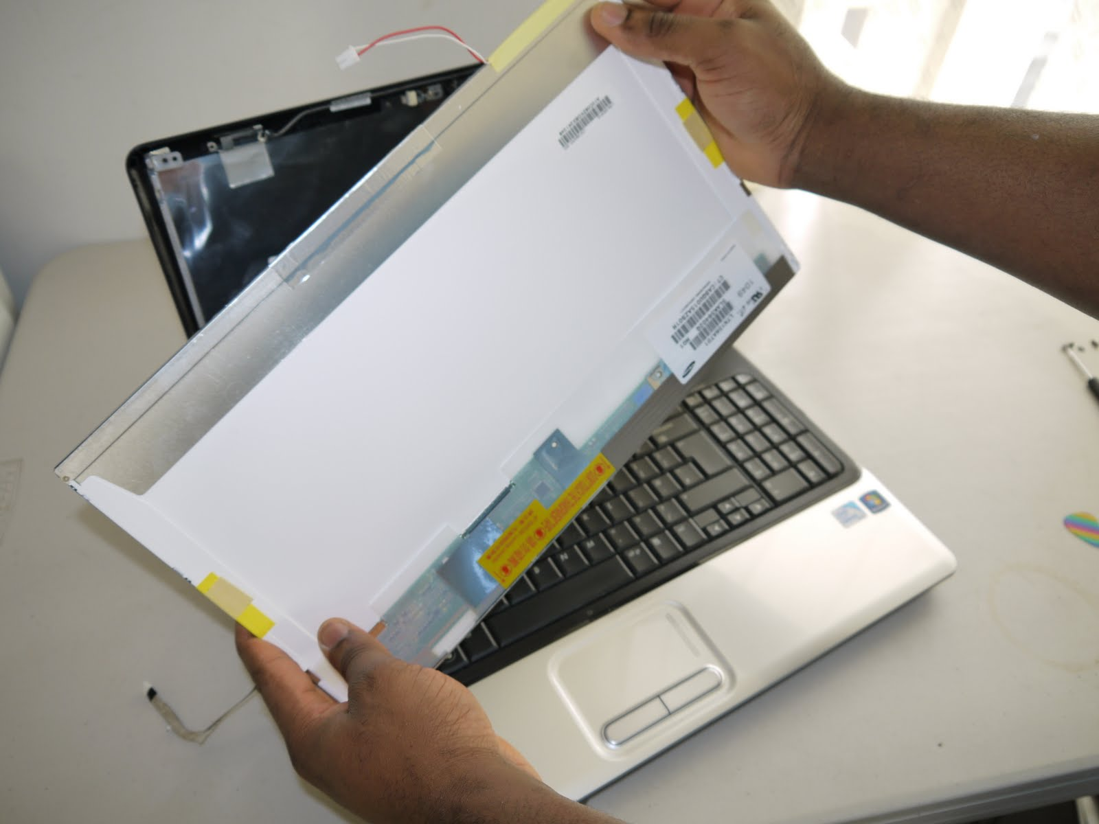 Chiran's Blog ::::::     : Different Types Of Laptop Screen