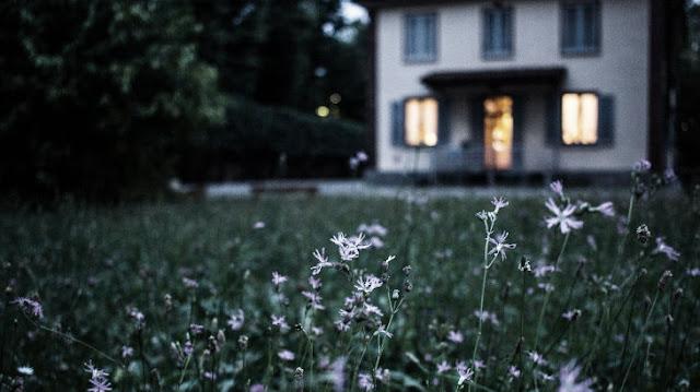 Nếu căn nhà bạn có 5 dấu hiệu này, hãy cẩn thận, năng lượng tiêu cực đang bao trùm khắp nơi đấy