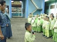MI Muhammadiyah Larangan biasakan Salam 5 Bahasa saat Apel pagi