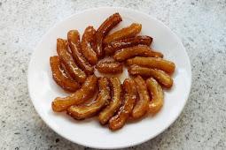 Zoolbia (Zolobiyah) Bamieh – Persian dumplings in Syrup