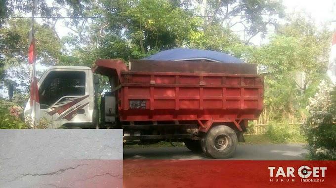 Jalan Lintas Wisata Pati - Argo Jollong Butuh Perawatan