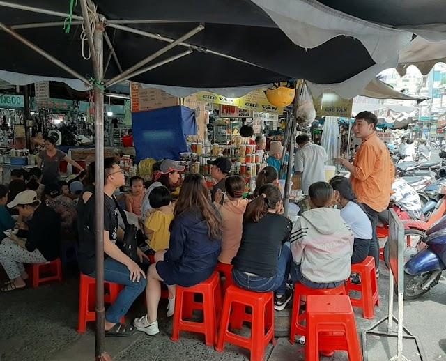 Chè Vân hơn 35 năm bên hông chợ Tân Định