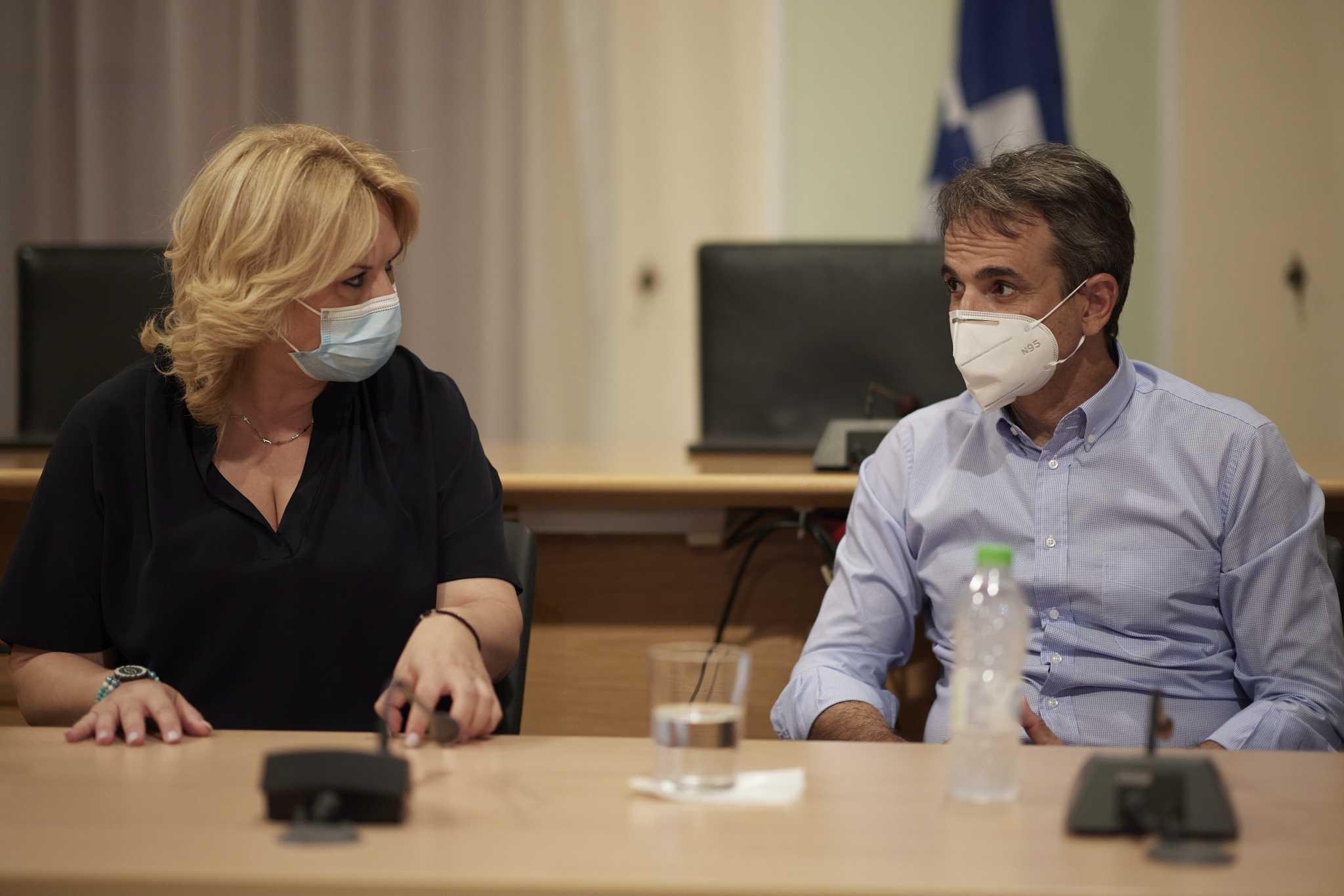 Μητσοτάκης: «Πρέπει να πάμε πια πόρτα-πόρτα στον εμβολιασμό»