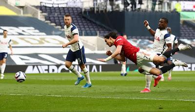ملخص واهداف مباراة مانشستر يونايتد وتوتنهام (3-1) الدوري الانجليزي