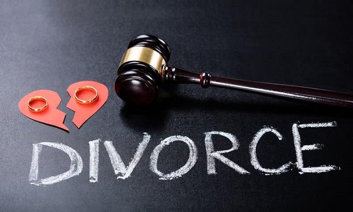 Istri Dicueki Suami, Melahirkan Seorang Diri, hingga Akhirnya Pilih Bercerai
