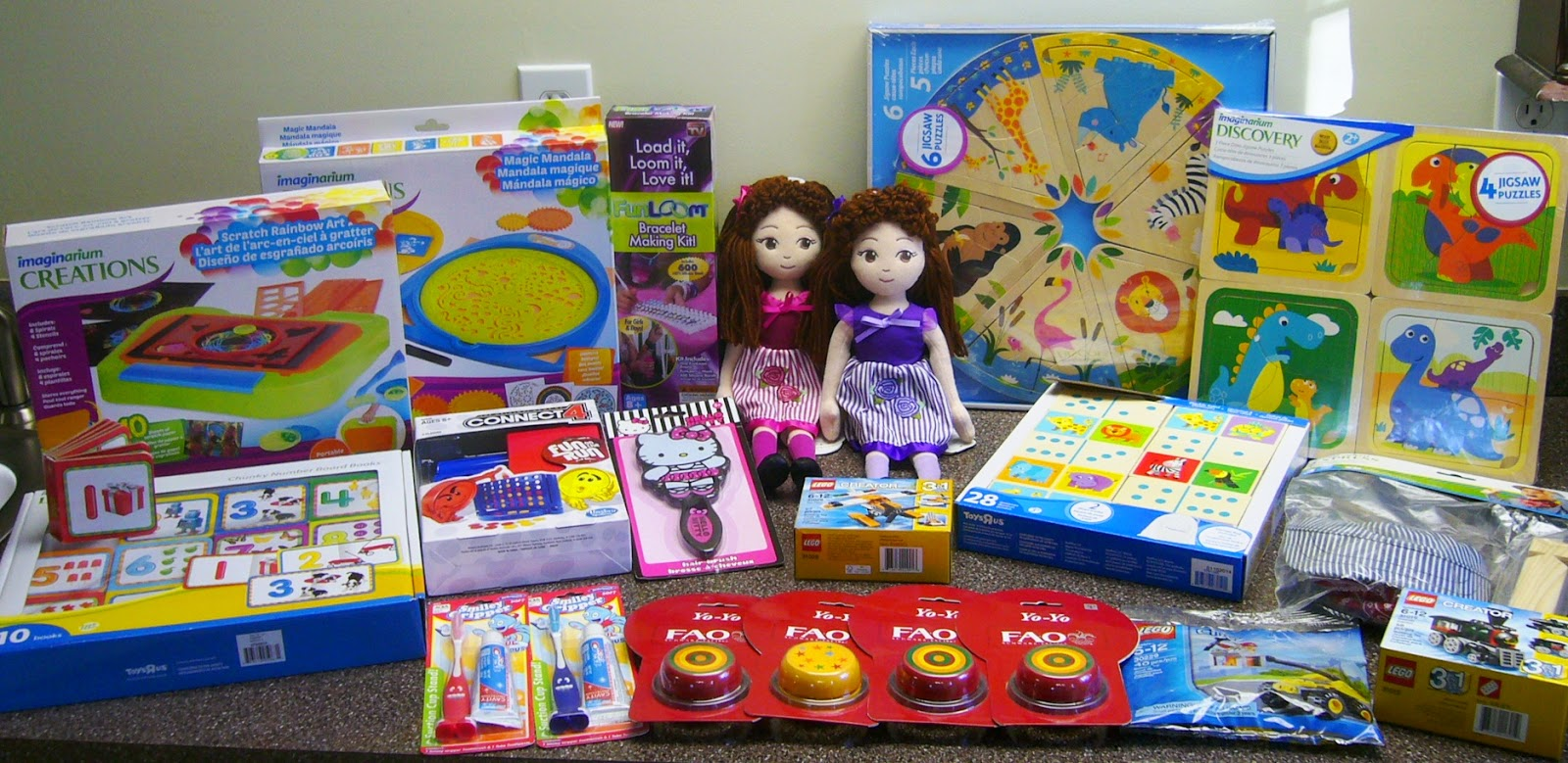 Toys R Us blog giveaway win shopping spree for Operation Christmas Child shoeboxes.