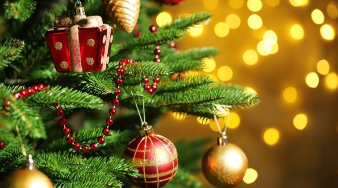 Christmas DP for Whatsapp Christmas tree decoration dp images