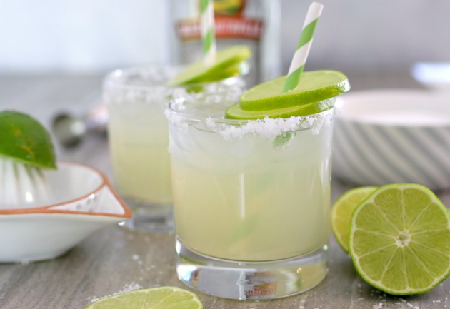 Homemade Fresh Margarita Recipe #fresdrink #governori #margaritas #smoothie #cocktail