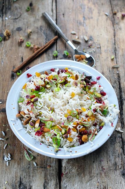 Et si mon p'tit riz indien parfumé devenait presque un plat complet... Mon p'tit riz indien très parfumé à plein de choses!