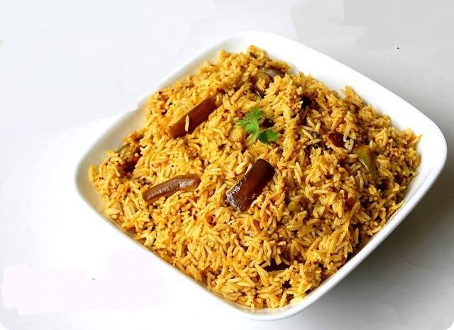 கத்தரிக்காய் சாதம் செய்முறை / Eggplant cooked rice !