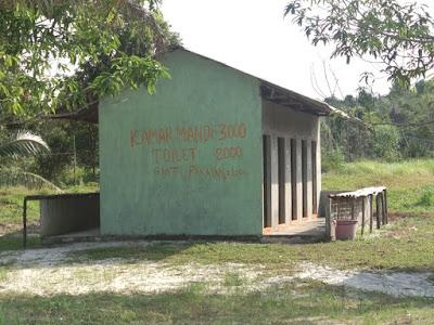 Toilet Pantai Tiga Putri Barelang