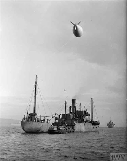 Barrage balloon at Greenock and Gourock, 31 October 1941 worldwartwo.filminspector.com