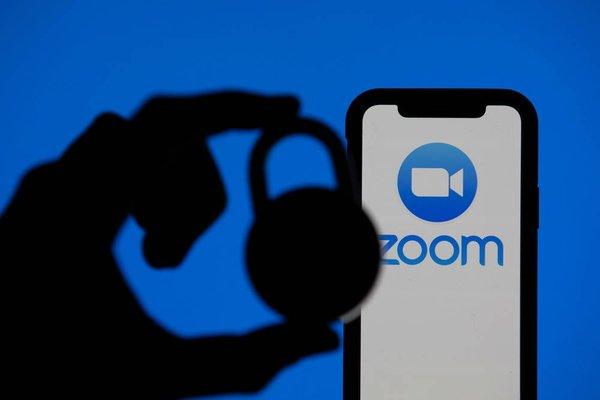 تطبق Zoom يبدأ بتشفير محادثات جميع مستخدميه من الطرف إلى الطرف