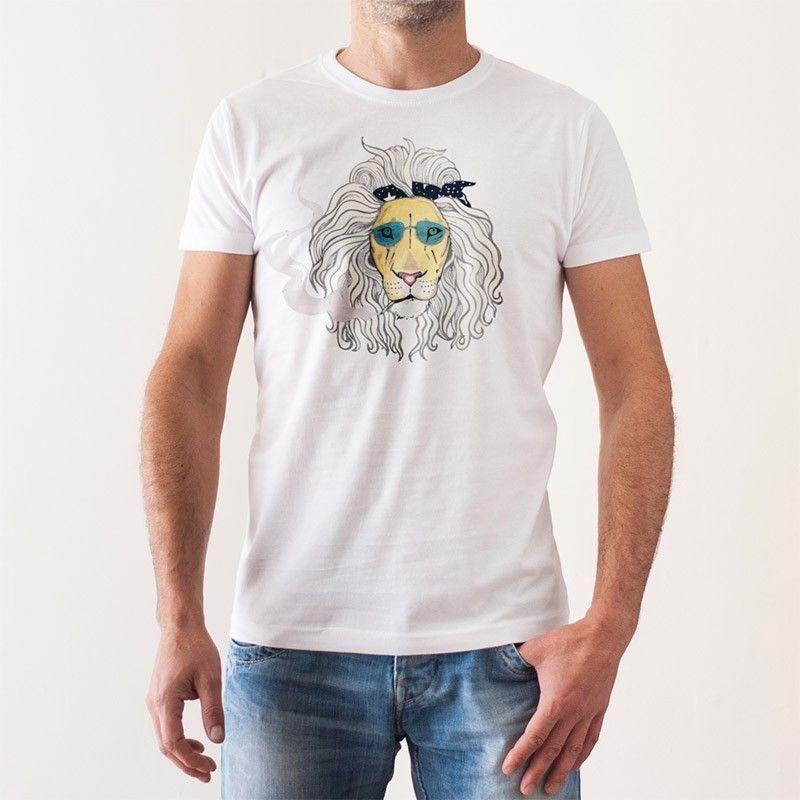 http://www.lolacamisetas.com/es/608-camiseta-original-leon-rockero.html#/25-estilo-manga_corta/37-talla-s/67-genero-hombre