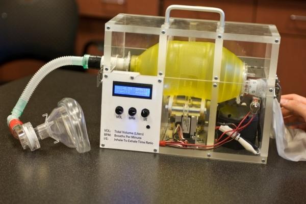 في أوج أزمة كورونا.. ابتكار أجهزة تنفس صناعي منخفضة التكلفة