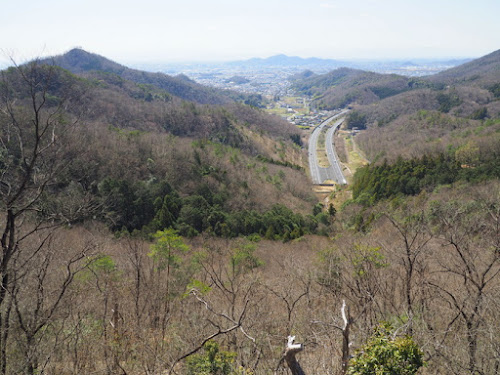北関東自動車道を見下ろす