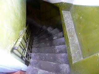 Дрогобыч. Городская ратуша. Лестница часовой башни на последнем ярусе становится круче и уже