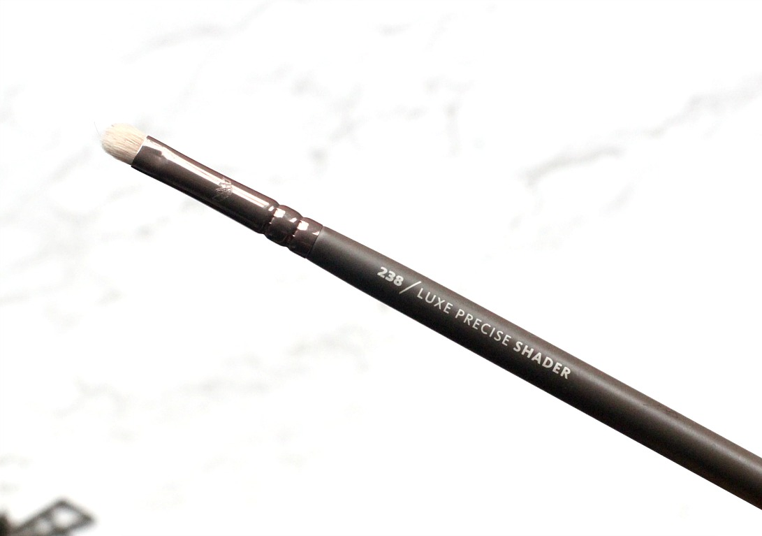 zoeva en taupe 238 luxe precise shader eyeshadow brush review