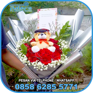 toko-bunga-tangan-bekasi-karangan-bunga-tangan-hand-bouquet-buket-wisuda-pengantin-pernikahan-mawar-matahari-di-bekasi-013
