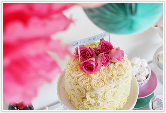 Rose cake by Paper & Party Love