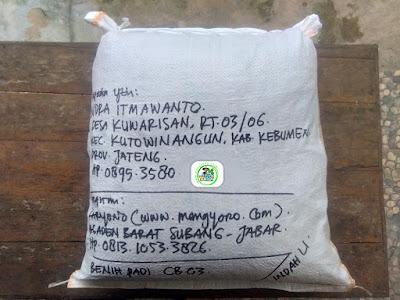 Benih Padi yang dibeli    INDRA ITMAWANTO Kebumen, Jateng.    (Setelah packing karung).