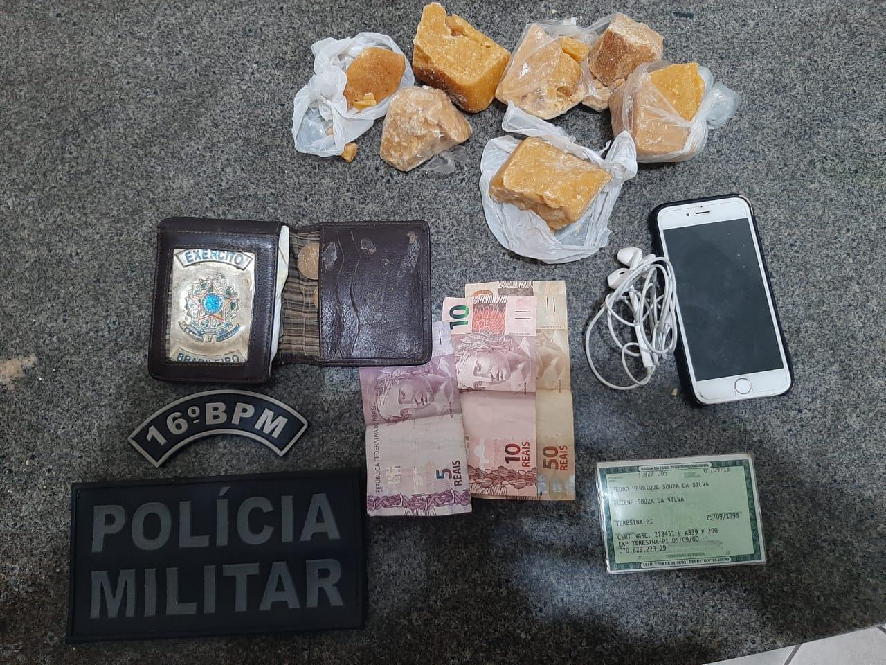 Homem é preso com quase meio KG de Pedras de Crack dentro de micro-ônibus na cidade de Brejo