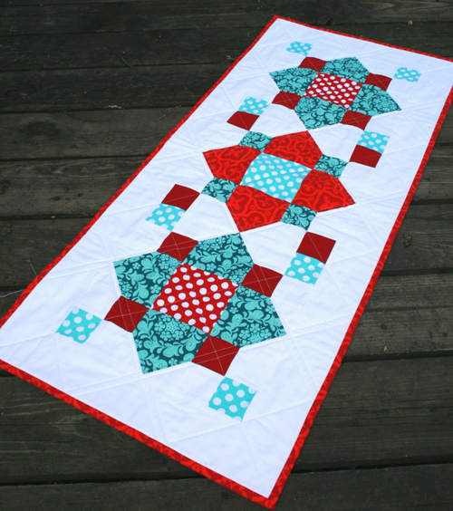 Table Runner free Tutorial designed by Crystal of Modify Tradition