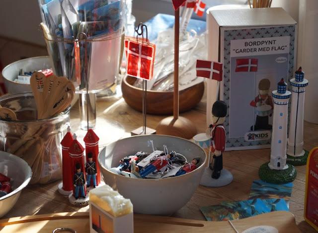 Die Welt von ganz oben: Der Leuchtturm von Nr. Lyngvig. Im Shop am Fuß des Leuchtturms kann man Kuchen essen, tolle Mitbringsel kaufen und die Ausstellung bewundern.