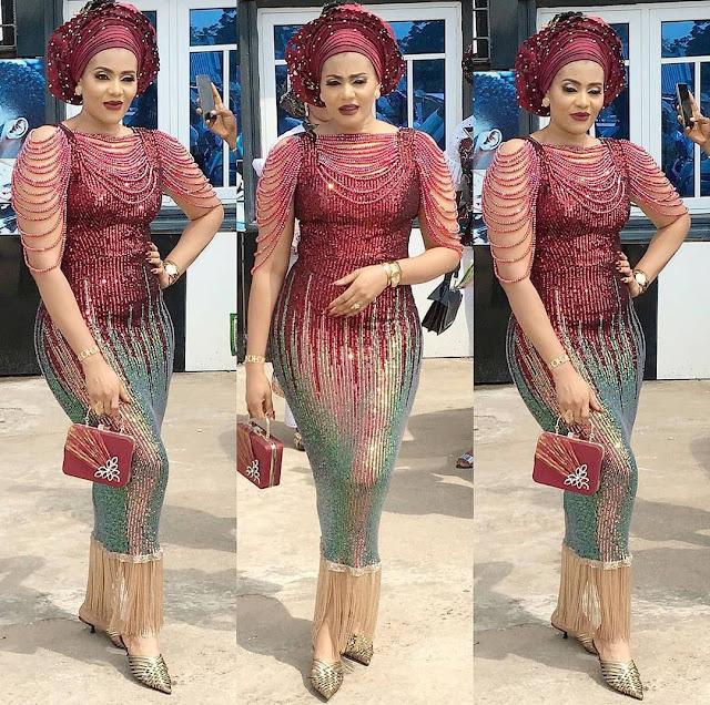 2020 Beautiful African Fashion: Asoebi Styles