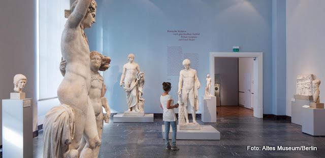 Coleção de peças da Antiguidade Clássica no Altes Museum de Berlim
