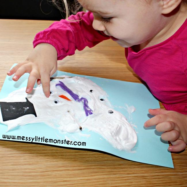 Snowman craft idea for kids.  Melted puffy paint snowman.