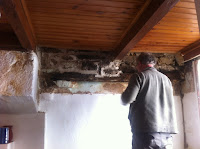 Renovation project - Pointing a wall and removing lead pipes in France