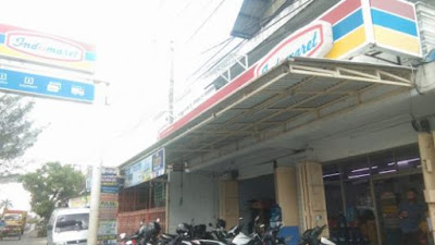 Indomaret di Jalan Rakutta Sembiring Siantar Dibobol Kawanan Maling Berbaju APD