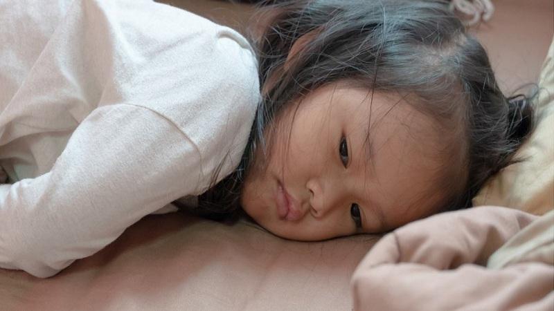 Kenali Penyebab dan Cara Mengobati Gusi Bengkak pada Anak