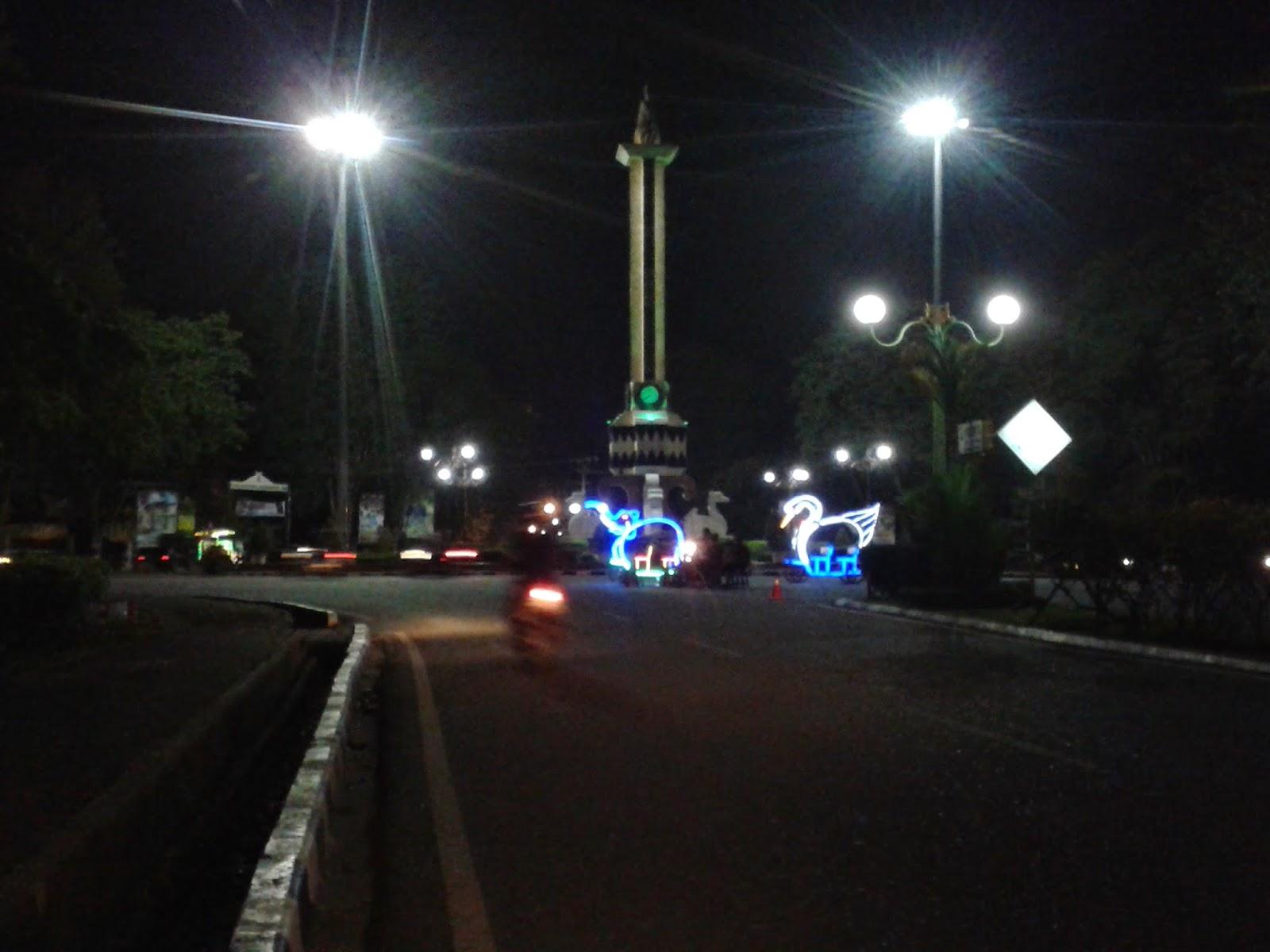 Image result for tugu monas kota jambi