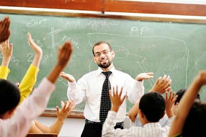 Karangan Bahasa Arab Tentang Guru Kesayanganku