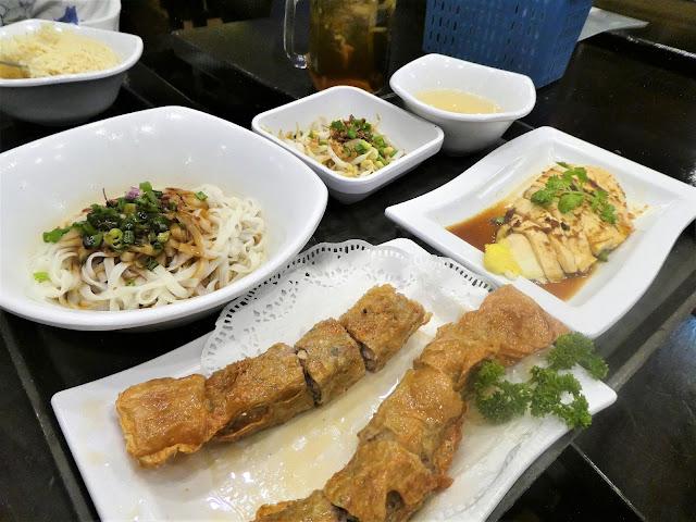 var äta billigt i Singapore