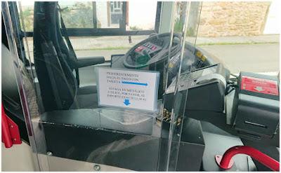 Mampara instalada recientemente en los buses urbanos de Coruña