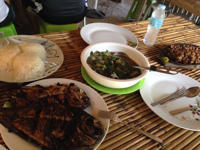 Inihaw na isda, Dinengdeng and Sisig meal at Marites Homestay and Restaurant in Pagudpud