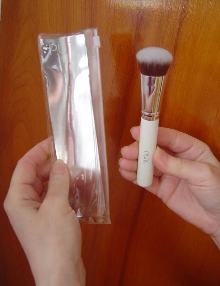 Pur Minerals Contour Blending Brush