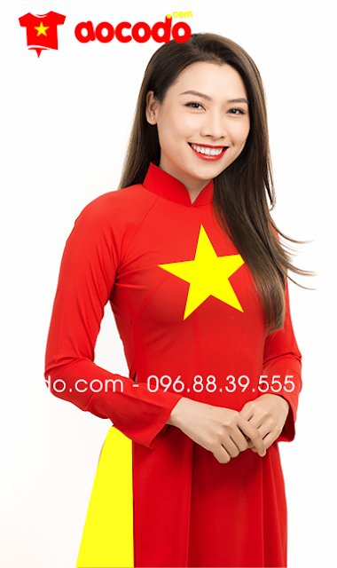 Áo dài cờ đỏ sao vàng cổ 3 phân, quần vàng, tay dài cho buổi khai trương