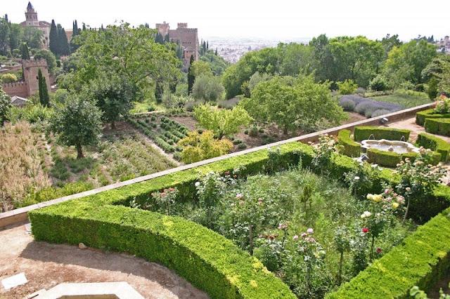 Jardines Altos na Generalife