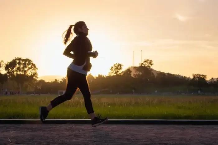 manfaat jogging untuk kesehatan tubuh dan mental